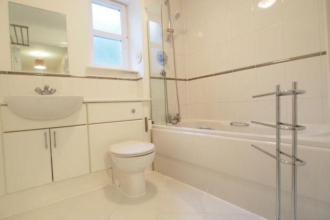 Bathroom of South College Street, Aberdeen AB11