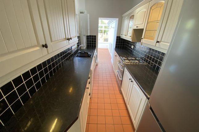 Kitchen of Hartledon Road, Birmingham B17