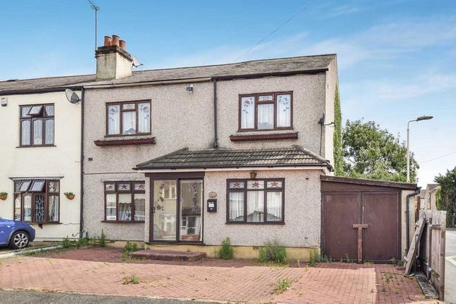Thumbnail Terraced house for sale in Aveley Road, Romford