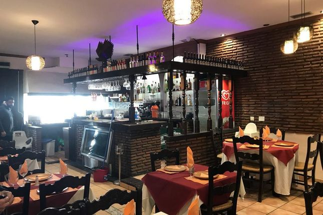 Thumbnail Restaurant/cafe for sale in Paseo Maritimo Del Rey, Fuengirola, Málaga, Andalusia, Spain