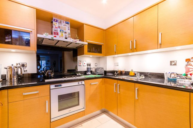 Thumbnail Flat to rent in Dorchester House, Kew
