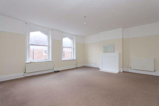 2 bed flat to rent in Bridge Street, Leighton Buzzard LU7