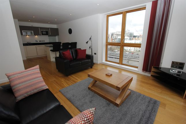 Thumbnail Flat to rent in Watermans Place, Leeds
