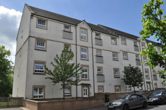 Thumbnail Flat to rent in Parklands Oval, Crookston, Glasgow
