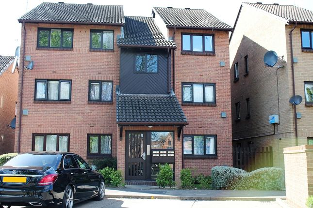 Thumbnail Flat for sale in Pycroft Way, London