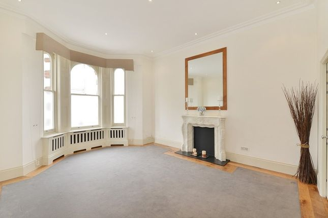 Thumbnail Flat to rent in Hornton Street, London