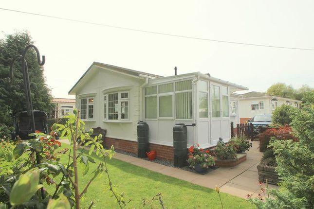 Thumbnail Mobile/park home for sale in Hunt Hall Lane, Welford On Avon, Stratford-Upon-Avon