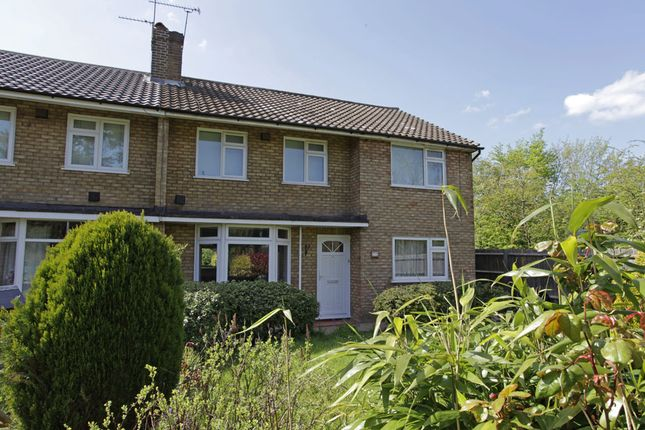 Thumbnail Flat for sale in Craig Gardens, South Woodford