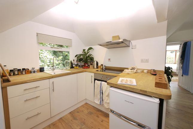 Thumbnail Flat to rent in Pophole Farm, Hill Brow Road, Liss