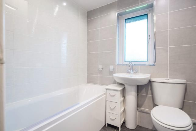 Bathroom of Canmore Crescent, Greenock, Inverclyde PA16