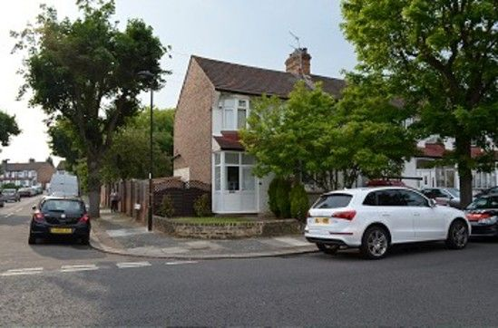 Thumbnail Property to rent in Callard Avenue, London