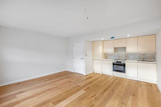 Thumbnail Flat to rent in Rommany Road, London