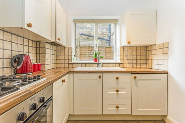 Thumbnail Flat for sale in Edgeley Road, Clapham, London