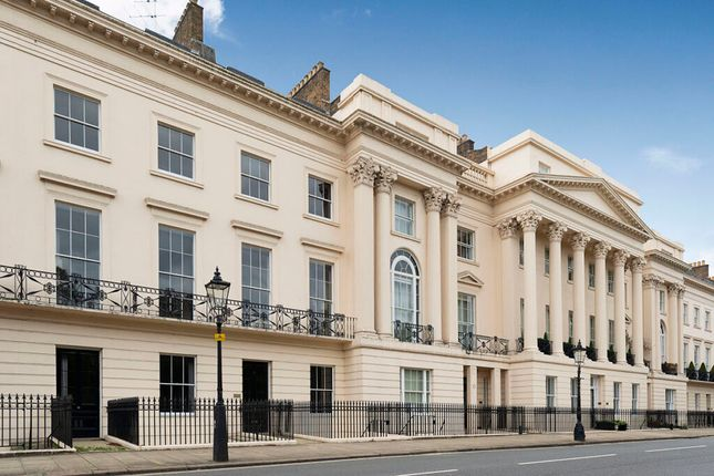 Thumbnail Terraced house to rent in Cornwall Terrace, London