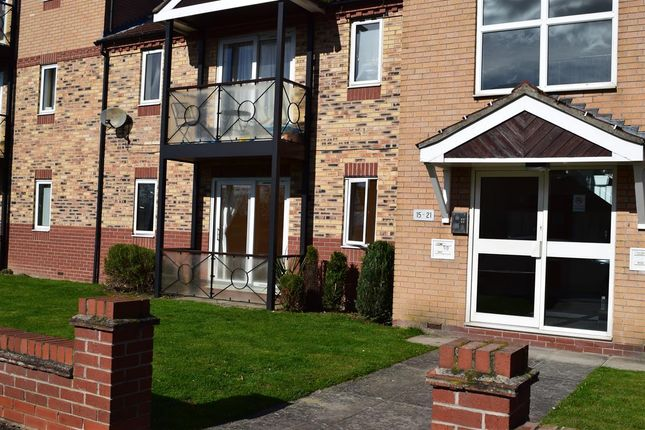 Thumbnail Flat to rent in Langsett Court, Doncaster