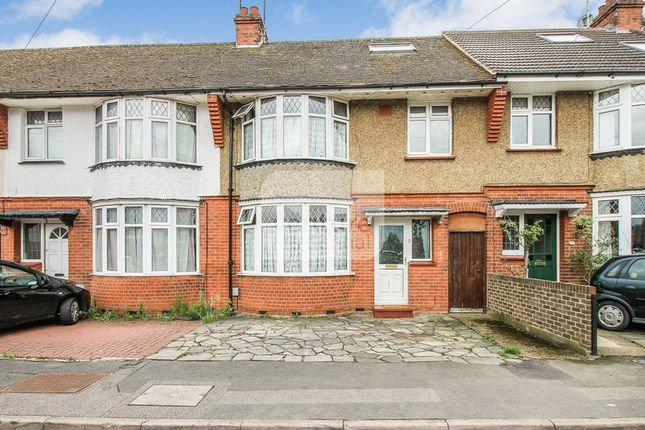 3 bed terraced house for sale in The Avenue, Luton