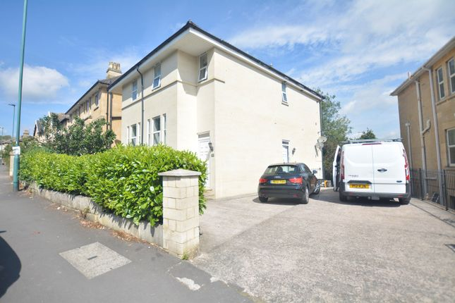 Thumbnail Flat to rent in Lower Oldfield Park, Bath