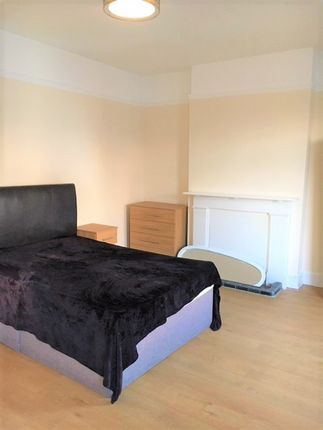 Thumbnail Terraced house to rent in Mayfair Avenue Mayfair Avenue, Ilford