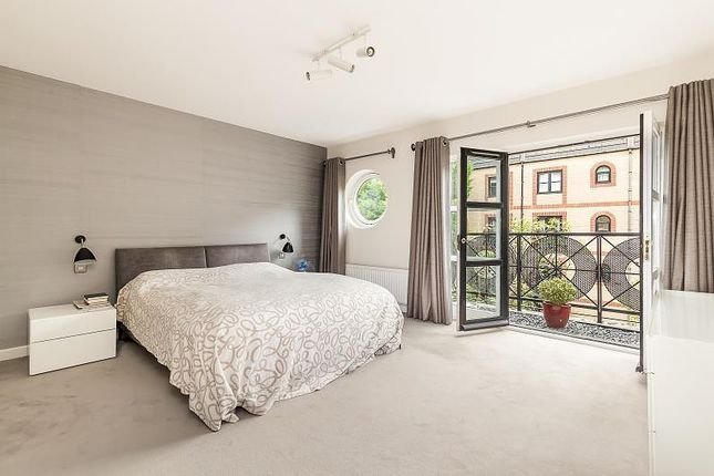 Bedroom of Chancellors Wharf, Hammersmith W6