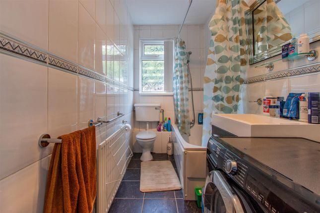 Bryngwyn Road Ds Bathroom (2)