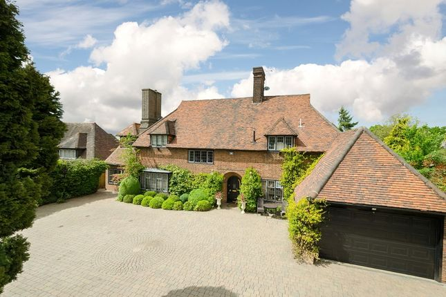 Thumbnail Detached house for sale in Manor Road, Chigwell