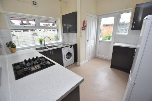 Thumbnail Property to rent in Newfoundland Road, Heath, Cardiff
