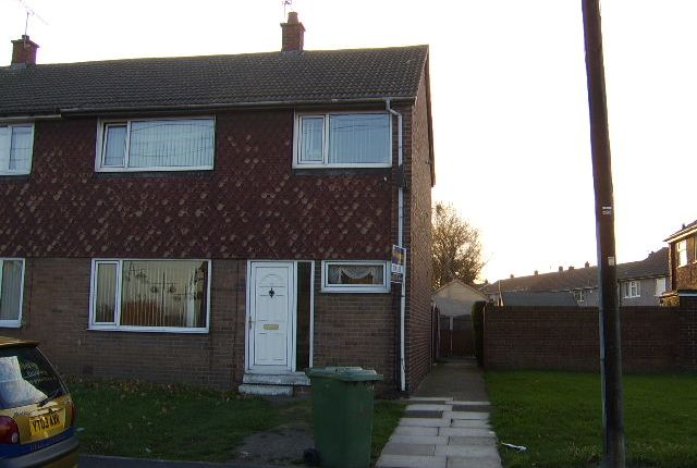 Thumbnail Town house to rent in Sycamore Avenue, Knottingley