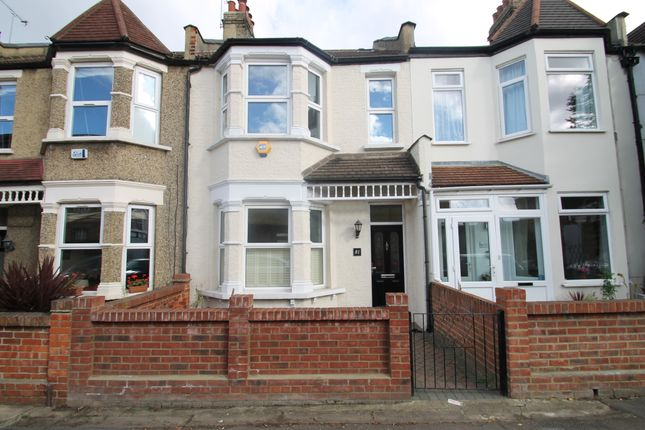 4 bed terraced house to rent in Gordon Road, Wanstead