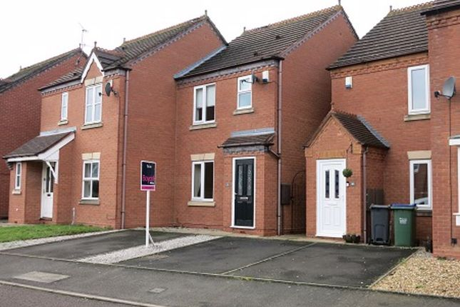 2 bed semi-detached house to rent in Woodhouse Way, Dudley B64
