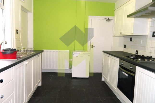 Thumbnail Shared accommodation to rent in Cardigan Terrace, Heaton