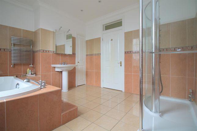 Shower of Kings Barn Villas, Steyning BN44