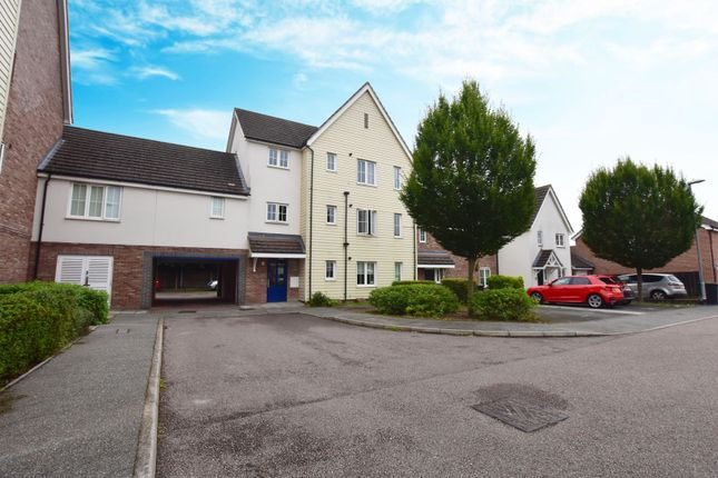 Thumbnail Flat for sale in Mortymer Close, Dunmow