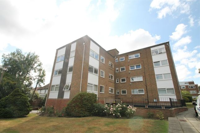 Thumbnail Flat for sale in Maplin Close, London