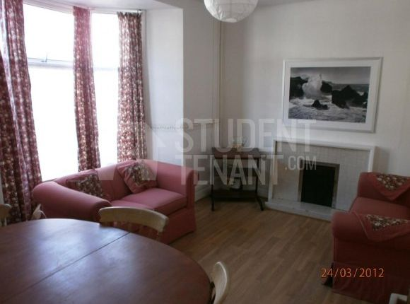 Thumbnail Shared accommodation to rent in Wood Road, Pontypridd