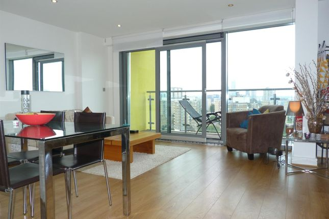 2 bed flat for sale in Aqua Vista Square, London