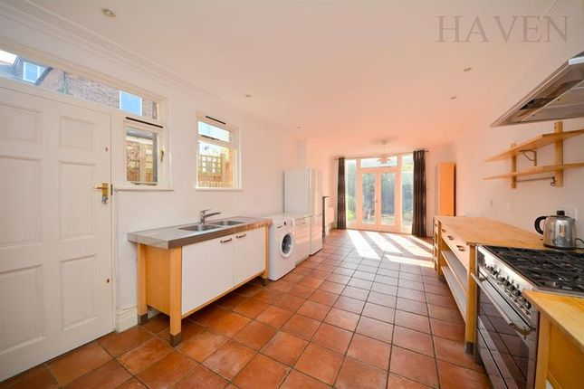 Thumbnail Semi-detached house to rent in Hertford Road, East Finchley, London