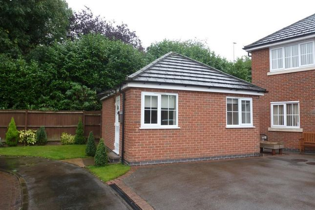 Thumbnail Bungalow to rent in Fludes Court, Oadby, Leicester