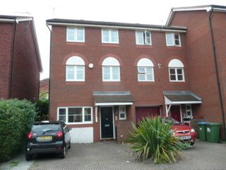 Thumbnail Town house to rent in Captains Place, Southampton