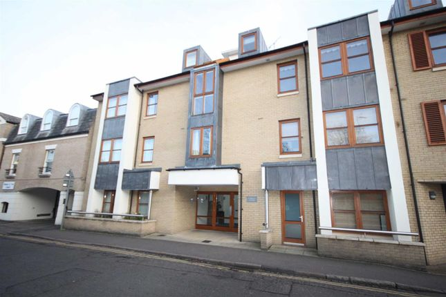 Thumbnail Flat to rent in Garden Court, Cambridge