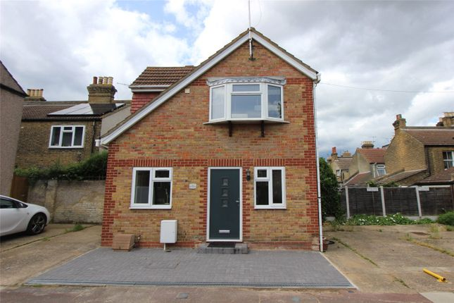 Thumbnail Detached house to rent in Gordon Place, Southend-On-Sea