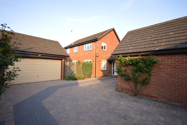 Thumbnail Detached house for sale in Albion Road, Pitstone, Bucks