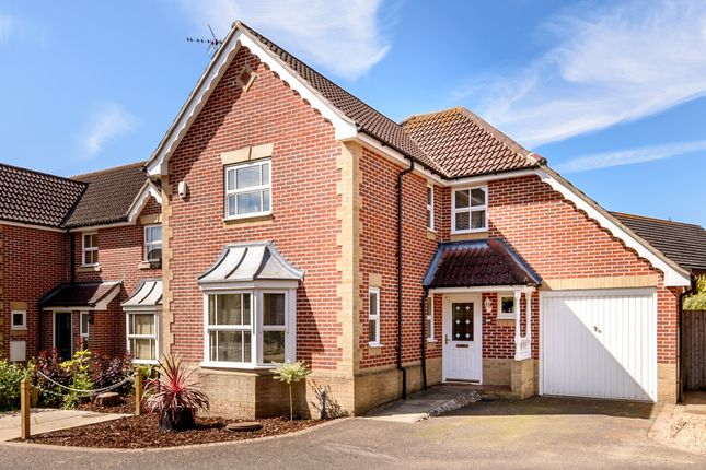 Thumbnail Detached house for sale in Snipe Close, Kennington, Ashford