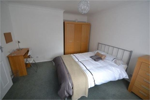 4 bed shared accommodation to rent in Elizabeth Way, Colchester CO7