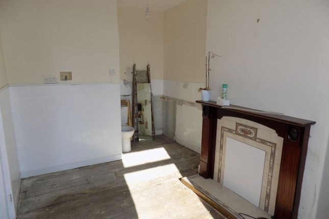 First Floor Lounge / Kitchen / Possible Bedroom