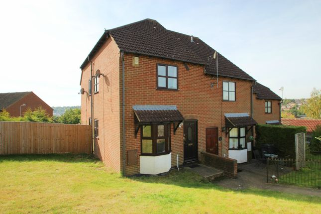Thumbnail Terraced house to rent in Lawsone Rise, High Wycombe