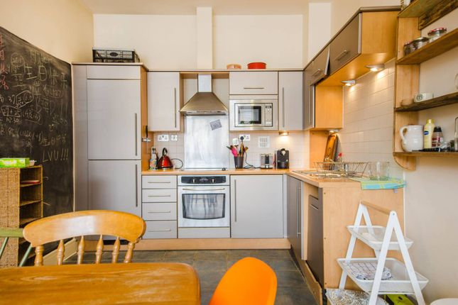 Thumbnail Flat to rent in Peckham Grove, Peckham