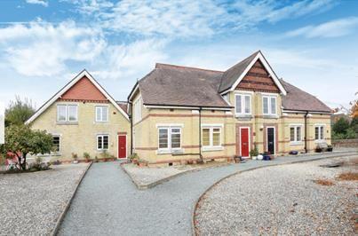 Thumbnail Flat to rent in Starts Hill Road, Farnborough, Orpington