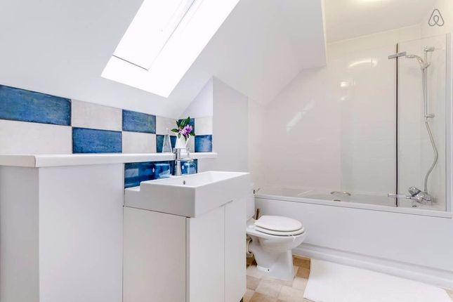 Thumbnail Flat to rent in Dorset Mews, Finchley Central
