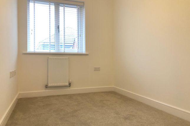 Bedroom 3 of President Road, Buckinghamshire, Aylesbury HP18