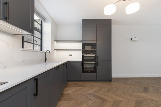 2 bed mews house to rent in Gloucester Place Mews, London W1U
